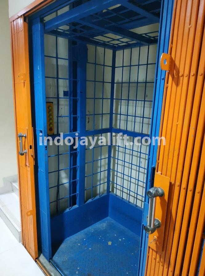 Pembuatan Lift Barang untuk Bakery di Bali